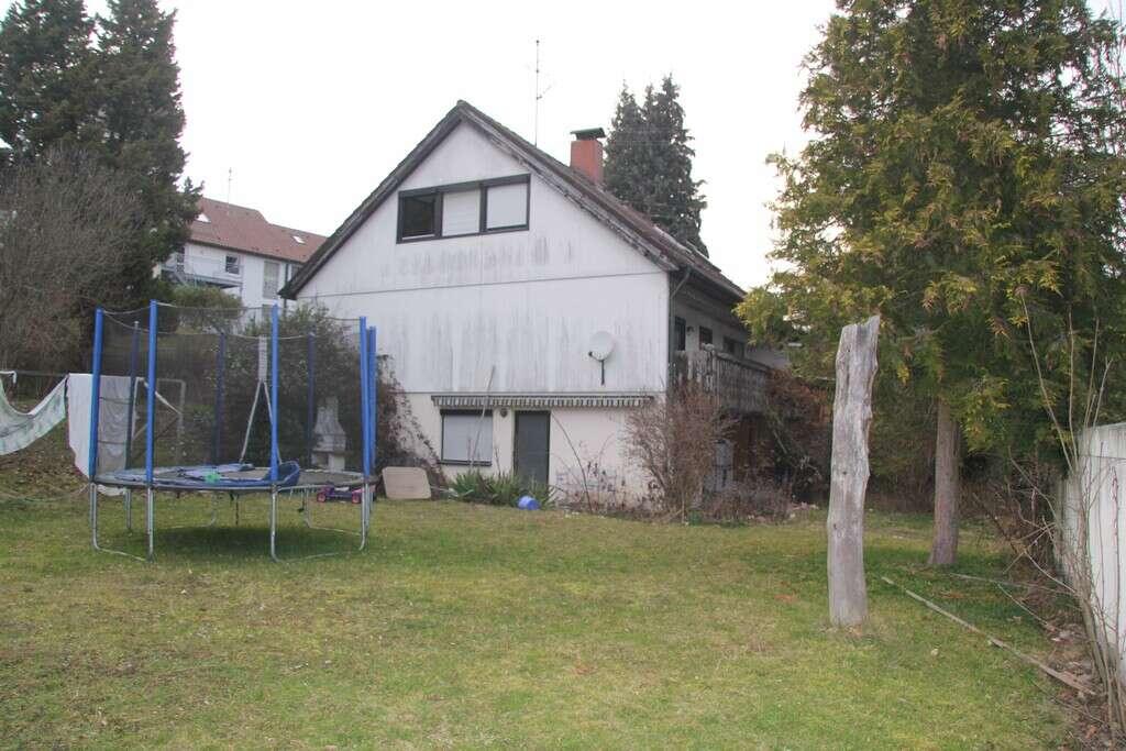 Wohnhaus mit großem Garten in guter Lage von Alfdorf sucht Familie mit Hund und Katz