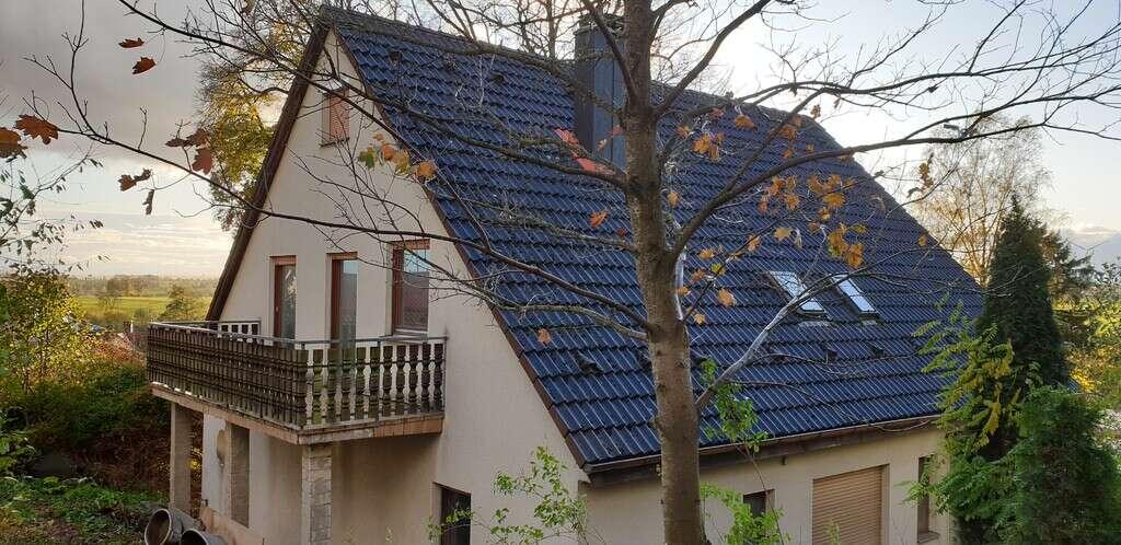 Ein-/Zweifamilienhaus in Randlage mit Fernsicht und das im schönen Hellenbach
