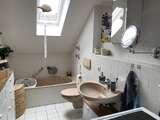 ThomaHaus Tageslichtbadezimmer Badewanne und Waschmaschinenanschluss